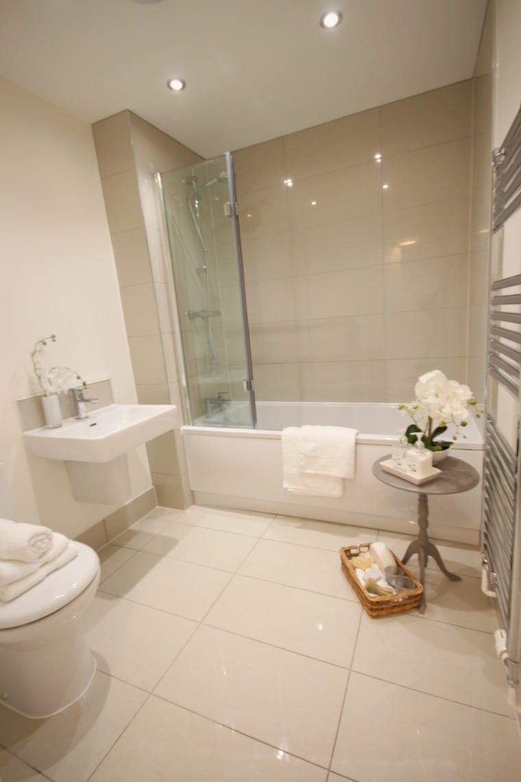 Kibworth Midlands A New Build Family Home Homestagers - Building a new bathroom